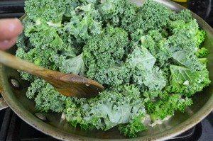 Add-Kale-to-Garlic